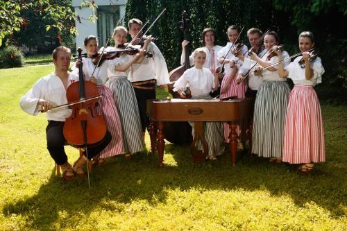 Folk group Pramínky from Kopřivnice.
